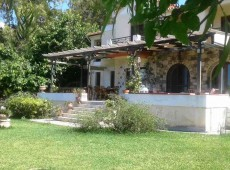 Villa - Detached house for rent in Paradisi, Kos.